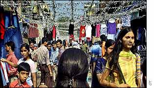 Shoppers in Delhi's Sarojini Nagar market