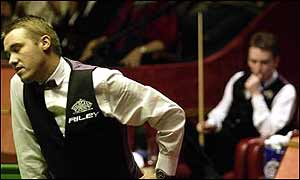 Stephen Hendry against Ken Docherty at the World Championships