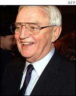 Walter Mondale speaks with reporters at election night headquarters