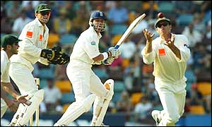 Matthew Hayden catches Alec Stewart off the bowling of Shane Warne