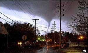 Tornado whips through Tiffin, Ohio