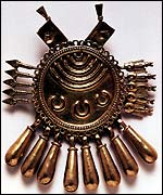 Shield pendant, c. 1500, Aztec-Mixtec, courtesy of Bal Varte de Santiago, Veracruz