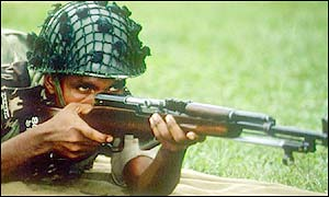 Bangladeshi soldier takes aim