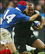 France try to get to grips with Jonah Lomu