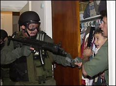 Agent finds Elian Gonzalez during raid on relatives' home