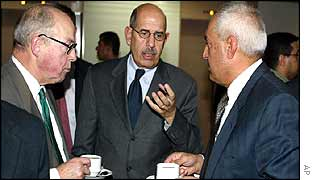 Hans Blix (L), Mohamed El Baradei (C) and General Amir al-Saadi (R)