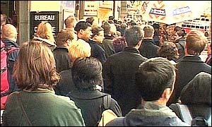 Queues at Victoria Underground Station
