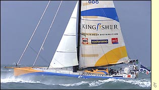 Ellen MacArthur sets off from the French coast in her Kingfisher boat