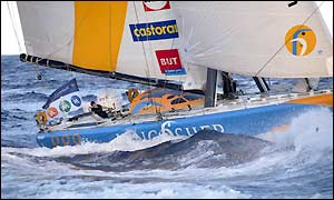 Ellen MacArthur battles high waves as the conditions cause other boats to retire