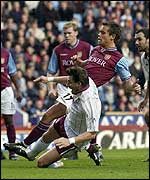 Lee Hendrie puts Villa in front