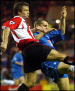 Sunderland's Michael Gray closed down by Birmingham's Darren Purse