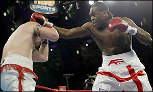 Audley Harrison lands a jab on Shawn Robinson