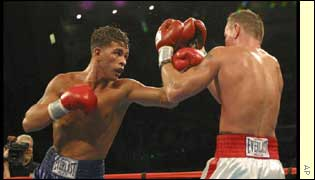 Arturo Gatti gains revenge for last May's loss to Micky Ward