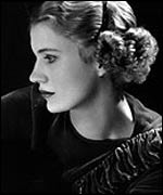 Lee Miller in 1932. Copyright Lee Miller Archive.