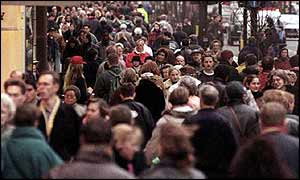 A UK high street full of shoppers