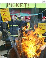 Firefighters' picket in Wales