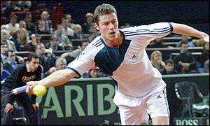 Marat Safin on his way to winning the first set of the opening rubber