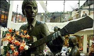 George Harrison statue in Cavern Walks Centre
