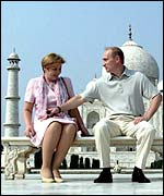 President Putin and his wife at the Taj Mahal