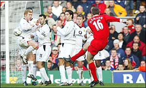 Dietmar Hamann strikes a free-kick tinto the Liverpool wall