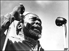 Jomo Kenyatta speaks in Nairobi in 1962