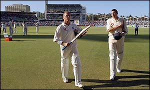 Alec Stewart walks off after England's defeat in Perth