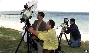 Japanese scientists set up telescopes at Ceduna, southern Australia