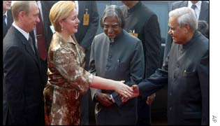 (From Left) President Putin,his wife,Indian President APJ Kalam, Premier Vajapee