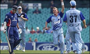 New South Wales paceman Brett Lee celebrates taking the wicket of Nick Knight