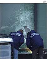 Forensic experts examine smashed window on Van Gogh Museum roof