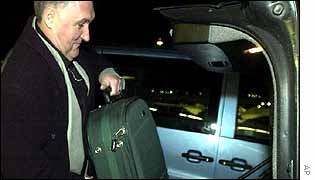 Jacques Baute of IAEA with the Iraqi suitcase of documents