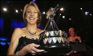 Paula Radcliffe poses with the main award of the night