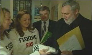 Cod Crusaders meet the fisheries commissioner Franz Fischler