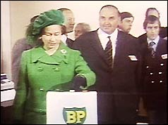 Queen Elizabeth formally launches production of BP's Forties oil field
