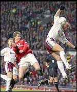 Ole Gunnar Solskjaer heads Man Utd into the lead