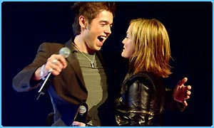 David Sneddon and Sinead Quinn during the final of Fame Academy