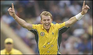 Brett Lee takes the wicket of Sanath Jayasuriya for just three