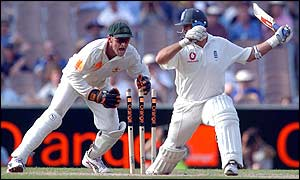 Australian keeper Adam Gilchrist attempts to stump England skipper Nasser Hussain