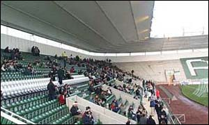 Tribuna de un estadio ingl�s en Boxing Day.