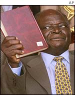 Mwai Kibaki during his swearing in as president