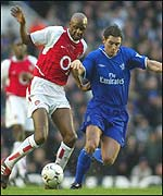 Vieira battles with Lampard