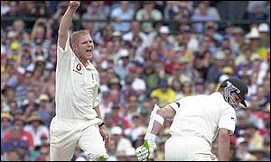 Hoggard celebrates as Brett Lee goes for a golden duck