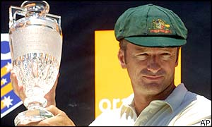 Australian skipper Steve Waugh holds the Ashes trophy after his side's 4-1 series win over England