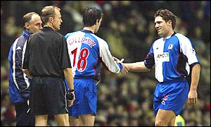Keith Gillespie (centre) replaces the injured David Dunn for Blackburn in the first half