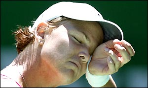 Lindsay Davenport in the third set against Justine Henin-Hardenne