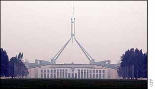 Australian parliament in smoke haze