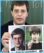 Jan Peter Balkenende gets teased for looking like Harry
