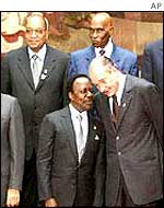 Chirac with African leaders in February 2002
