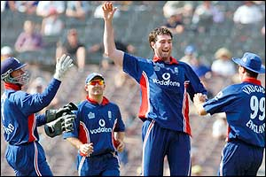 Ronnie Irani celebrates the wicket of Australia's Shane Warne