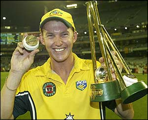 Brett Lee celebrates his fifth wicket